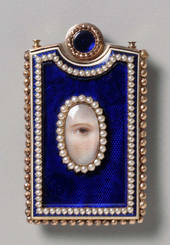Memorandum Case with a Portrait of a Women's Left Eye. Courtesy of the Philadelphia Museum of Art.