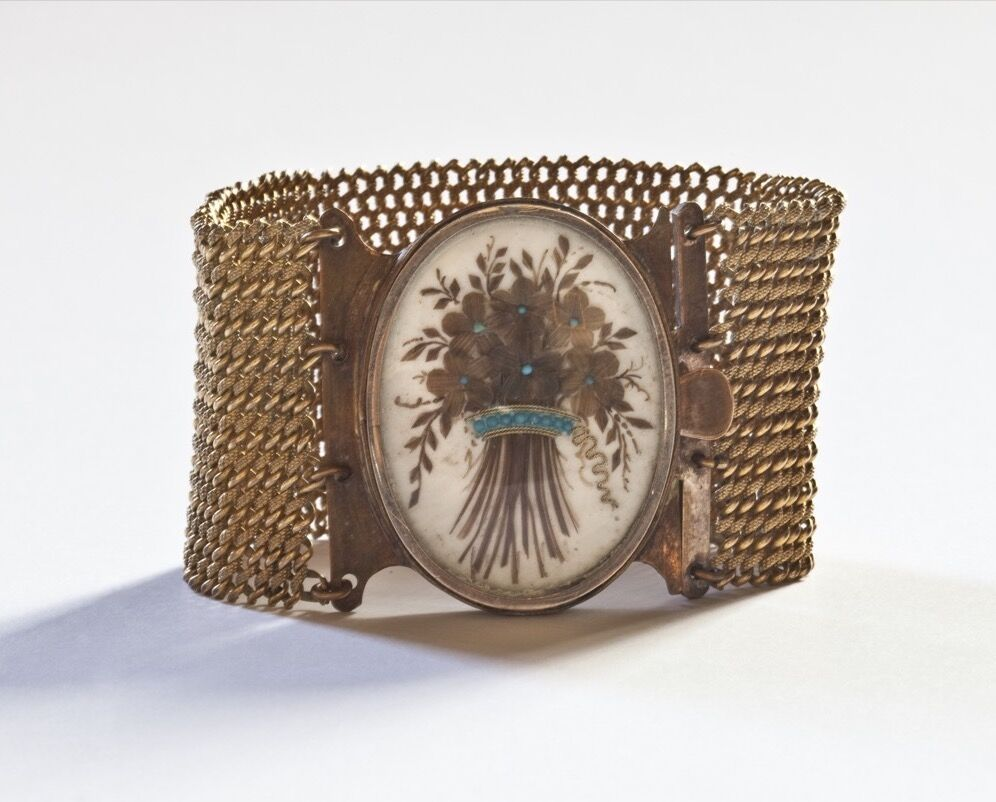 Bracelet, from the collection of Eden Daniel. Photo by Evi Numen. Courtesy of the College of Physicians of Philadelphia and the Mütter Museum.