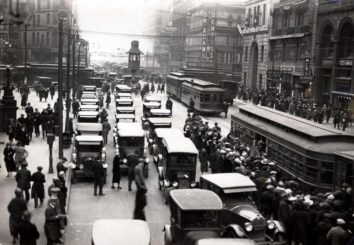 Detroit, MI circa 1920. Photo via Wikimedia Commons.