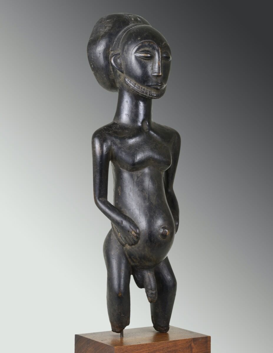 Unidentified artist from the Hemba region, Democratic Republic of the Congo, Commemorative Figure (Singiti), late 19th‒early 20th century. Courtesy of The Shaikh Family Collection, McLean, Virginia and The Baltimore Museum of Art.