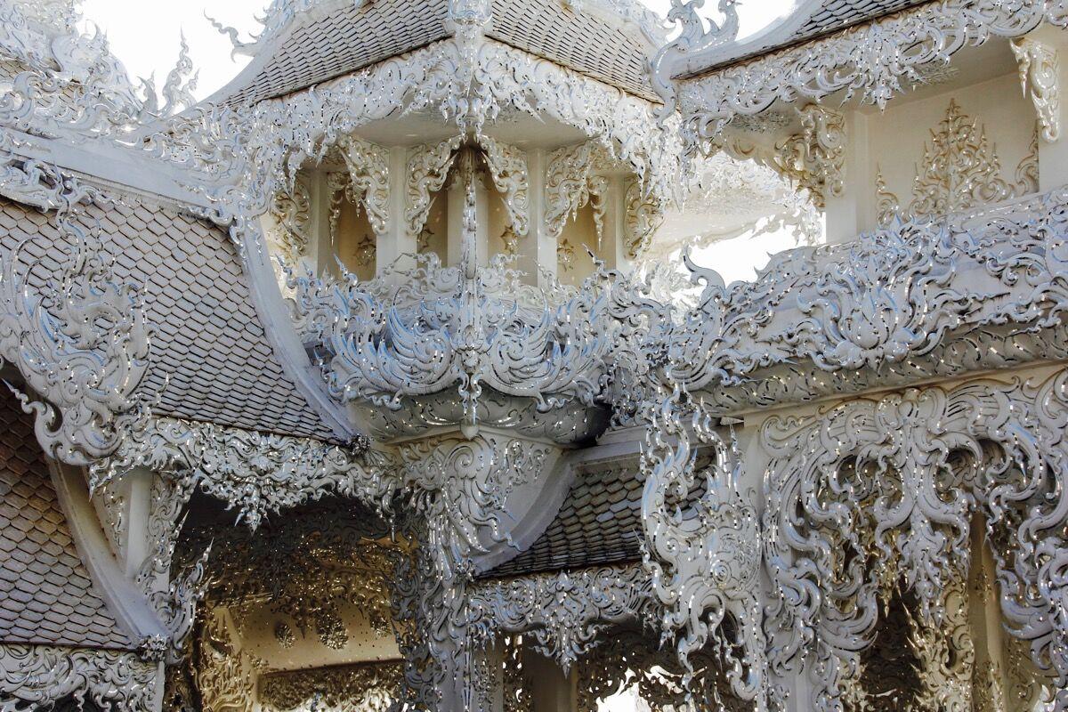 Wat Rong Khun, Chiang Rai, Chiang Rai Province, Thailand, via pixabay.