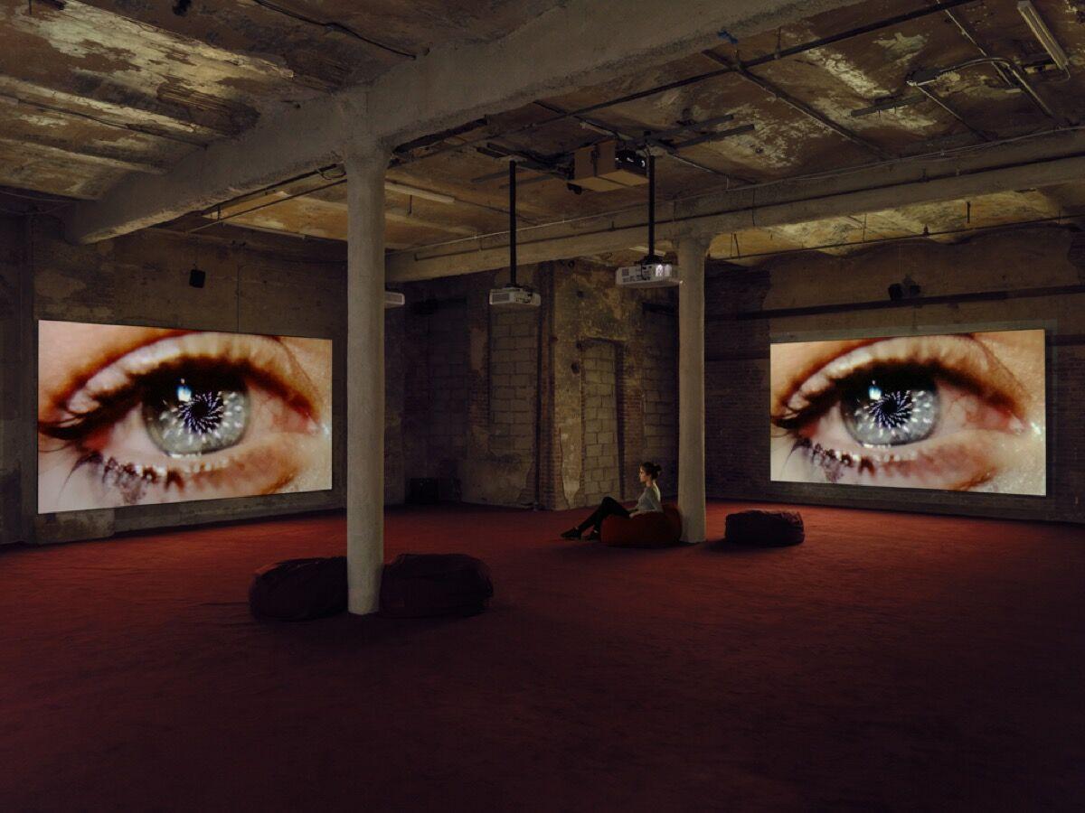 Vista de instalación de Blood in My Milk (2018) en el Nuevo Museo.  Foto de Maris Hutchinson / EPW Studio.  Cortesía del artista.