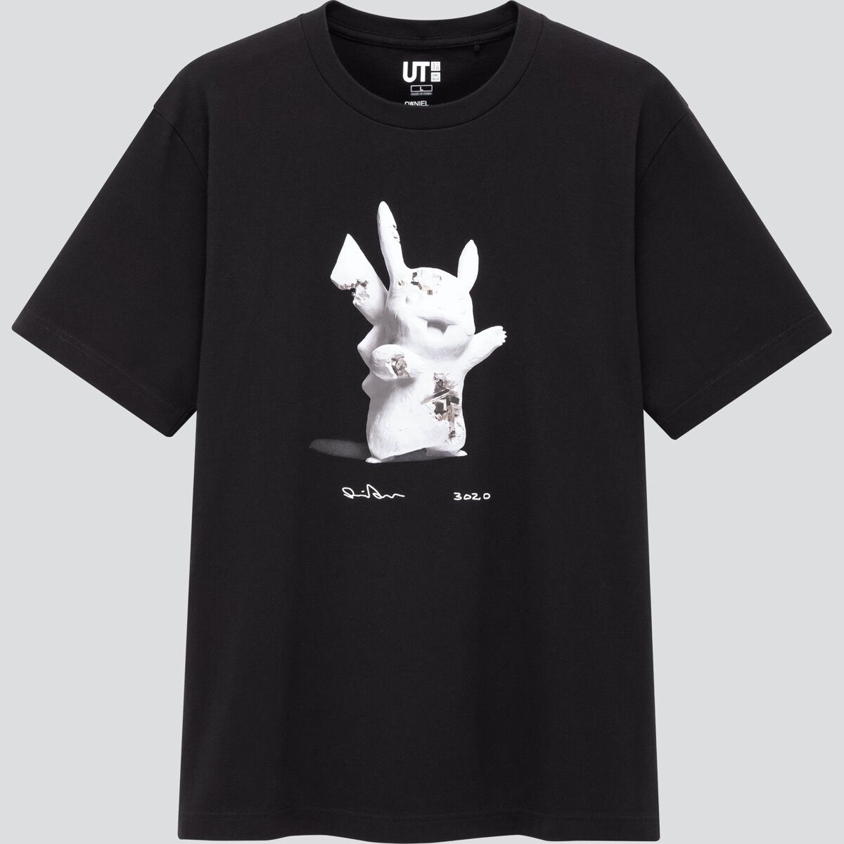Short-sleeve graphic t-shirt from the Daniel Arsham x Pokémon UT Collection at UNIQLO. © 2020 Pokémon. TM, ®Nintendo. © Daniel Arsham Courtesy of Nanzuka.