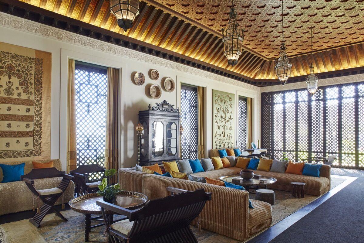 Living room. © 2015 Linny Morris. Courtesy of the Doris Duke Foundation for Islamic Art.