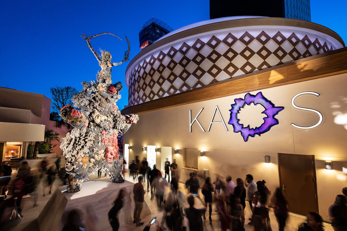 Damien Hirst, The Warrior and the Bear (2015), at the KAOS dayclub. Photo courtesy the Palms Casino Resort.