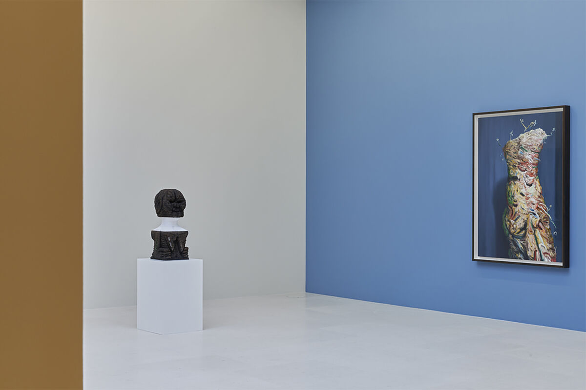 "Installation view of works by Huma Bhabha and Glenn Brown in ""Bustes de Femmes"" at Gagosian, 2020. © Huma Bhabha. © Glenn Brown. Photo by Thomas Lannes. Courtesy of Gagosian."