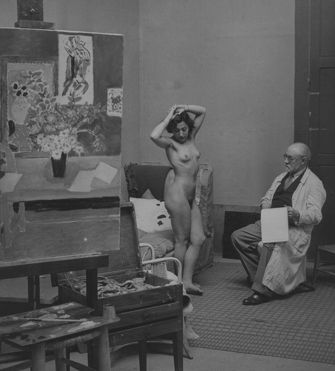 Brassaï, Henri Matisse with Nude, Paris 1939. © Galerie Johannes Faber. Courtesy of Galerie Johannes Faber.