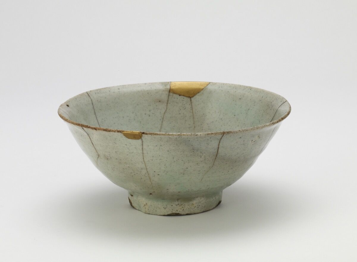 Bowl, Korea, Joseon period, beginning of 17th century. Courtesy of Freer Sackler, Smithsonian.