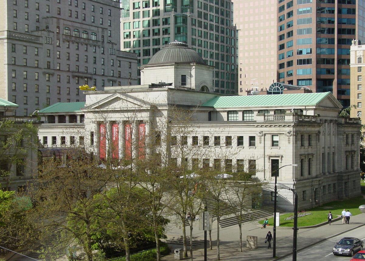 The Vancouver Art Gallery. Photo by Jason Vanderhill, via Wikimedia Commons.