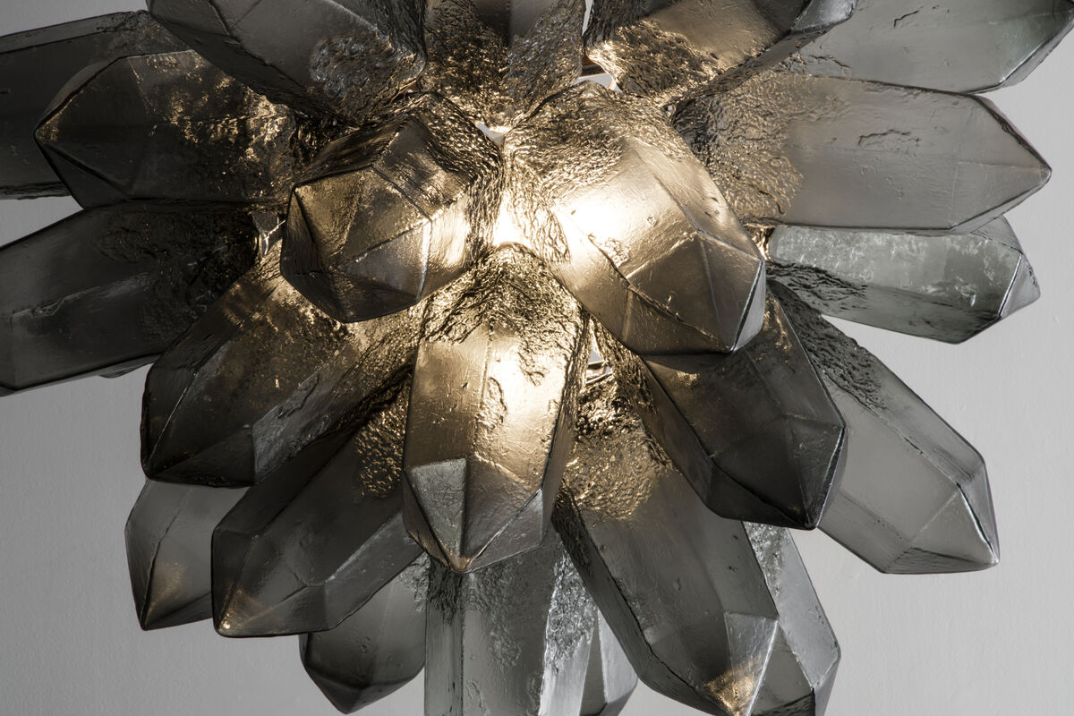 Jeff Zimmerman,Illuminated Crystal Cluster sculpture in gray hand-blown glass, 2015.Courtesy ofR & Company and the artist.