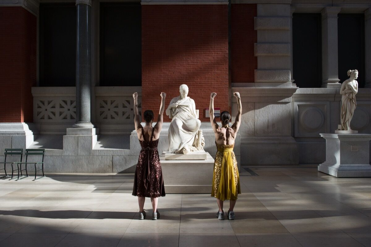 "Monica Bill Barnes & Company, ""The Museum Workout"" at the Metropolitan Museum of Art. Photo by Paula Lobo. Courtesy of the Metropolitan Museum of Art."