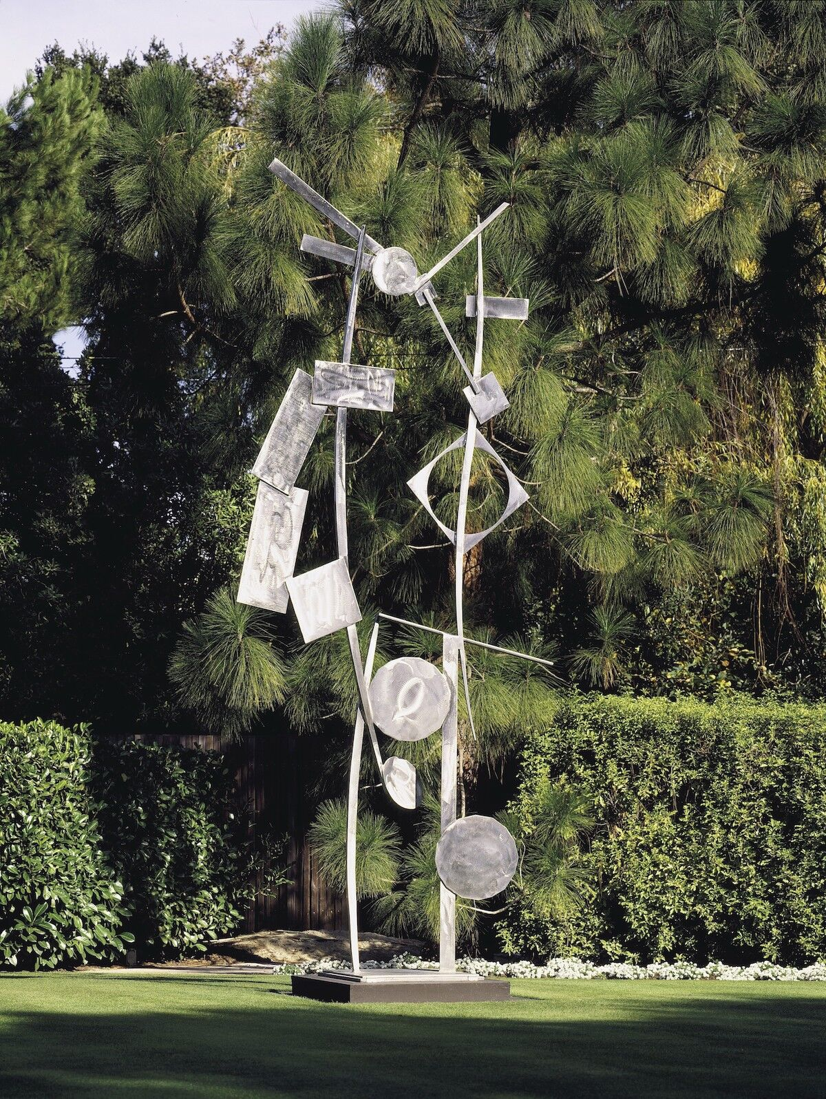 David Smith, Five Ciarcs, 1963, welded steel. Photo courtesy Christie's Images Ltd. 2018.