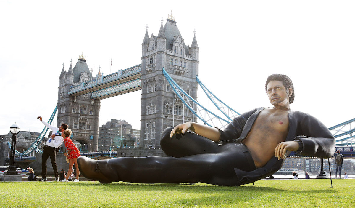Now TV recreated Jurassic Park's most famous meme with a 25-foot statue of Jeff Goldblum's torso in front of Tower Bridge to mark 25 years since it hit the big screen. Photo courtesy Now TV.