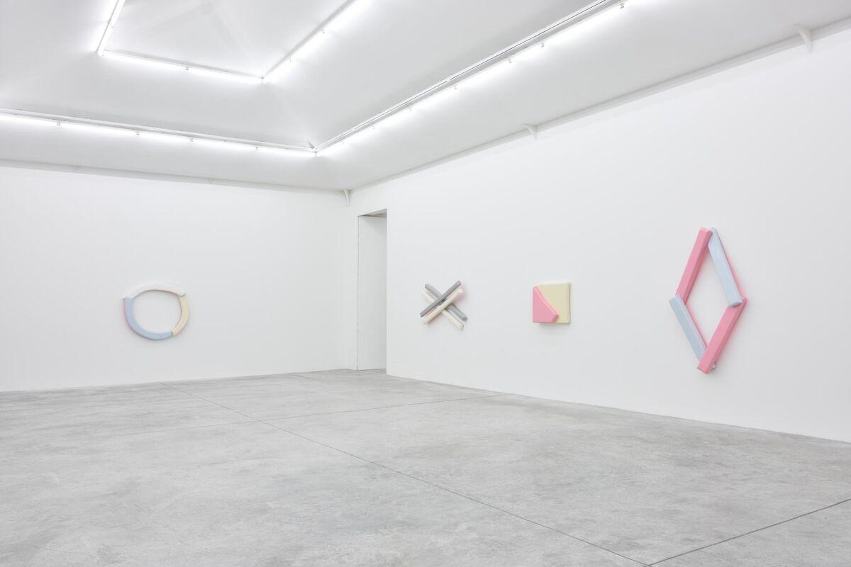 """Justin Adian, """"Waltz,"""" at Almine Rech Gallery, Paris. Courtesy of the Artist and Almine Rech Gallery. Photo by Rebecca Fanuele."""