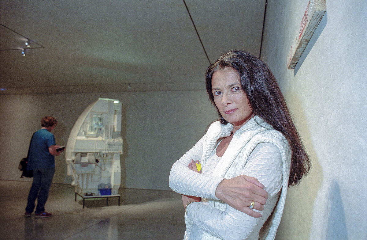 Mary Boone in her gallery at 745 Fifth Avenue in 1999. Photo by Barbara Alper/Getty Images.