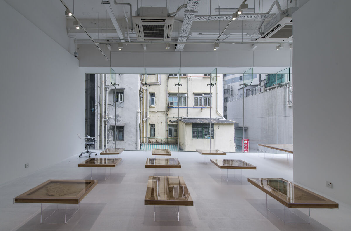 """Installation view of """"Ren Ri: Yuansu Projects"""" at Pearl Lam Galleries SOHO, courtesy Ren Ri and Pearl Lam Galleries."""