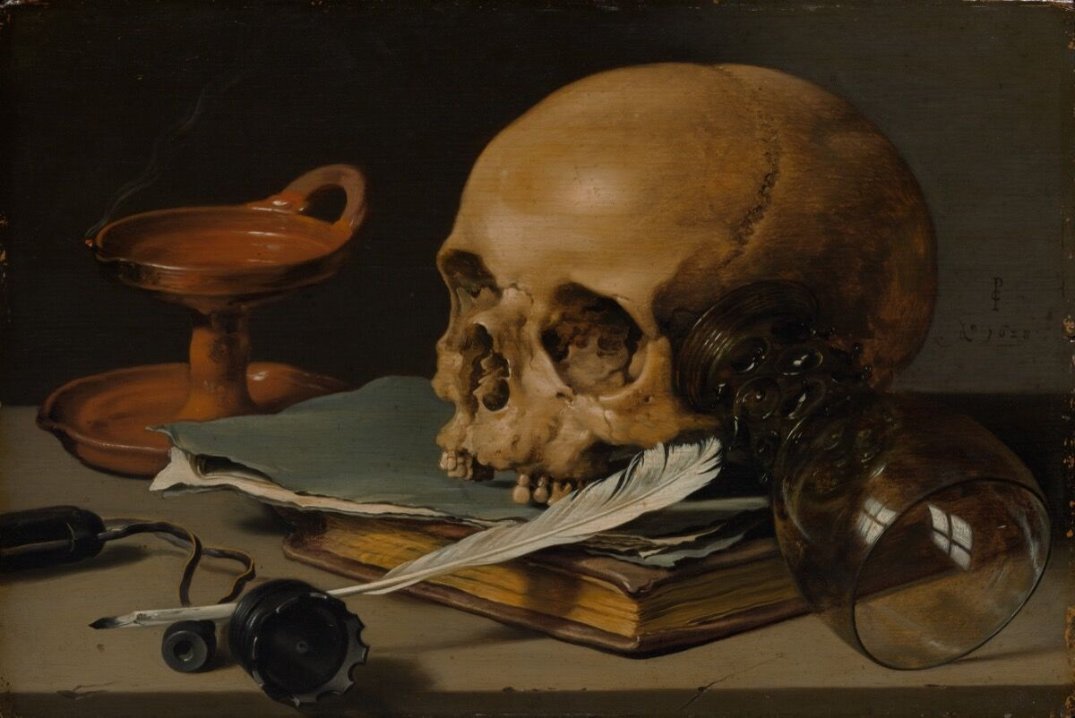 Pieter Claesz, Naturaleza muerta con calavera y pluma de escritura, 1628. Cortesía del Museo Metropolitano de Arte.