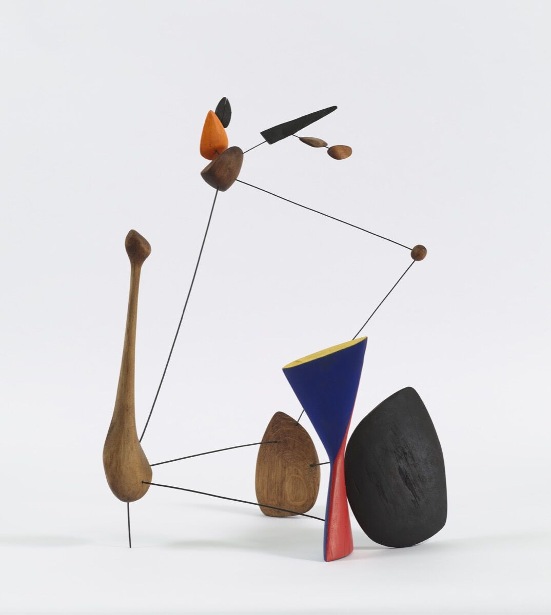 Alexander Calder, Constellation with Diabolo, 1943. Photo by Tom Powel Imaging, courtesy of Pace Gallery. © 2017 Calder Foundation, New York and Artists Rights Society (ARS), New York.