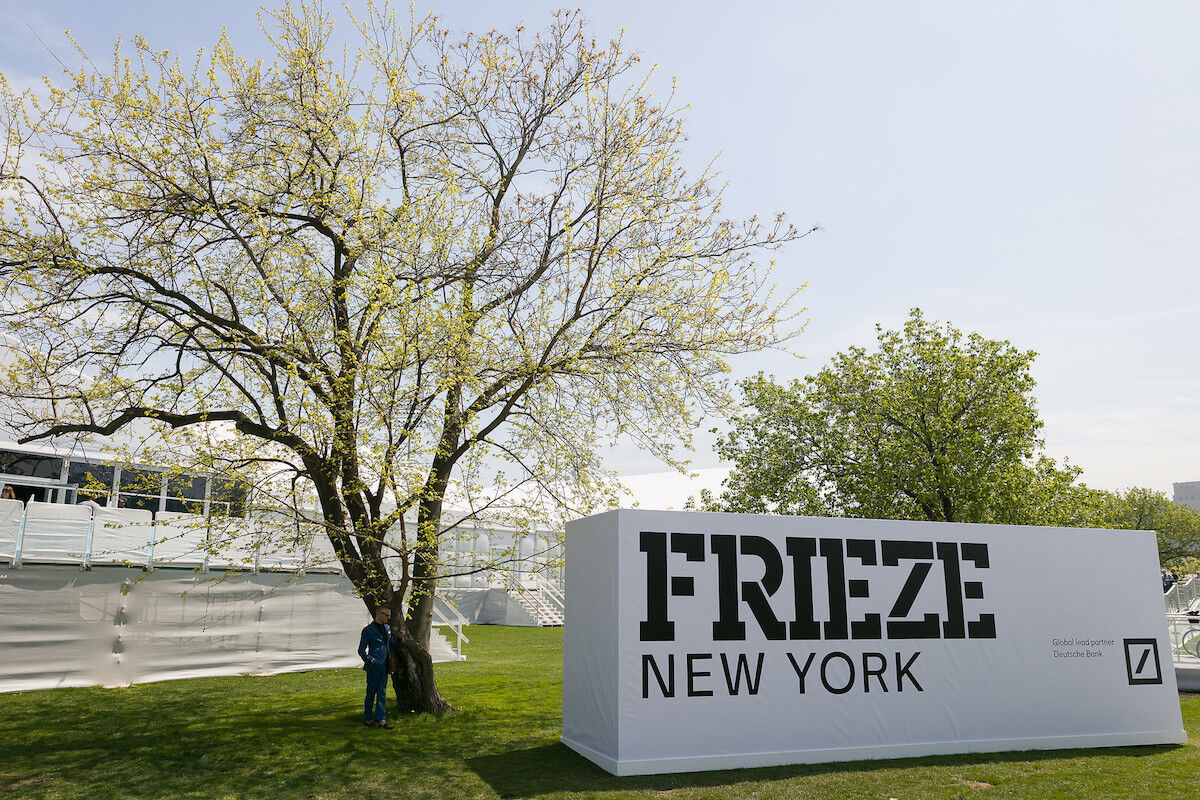 Frieze New York 2018. Photo by Mark Blower. Courtesy of Mark Blower/Frieze.
