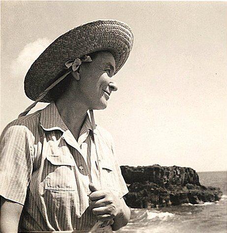 Georgia O'Keefe in Hawaii, 1939. Image via Wikimedia Commons.