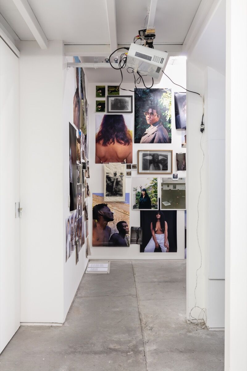 Installation view at Condo, São Paulo, 2020. Photo by Gui Gomes. Courtesy of Galeria Jaqueline Martins.
