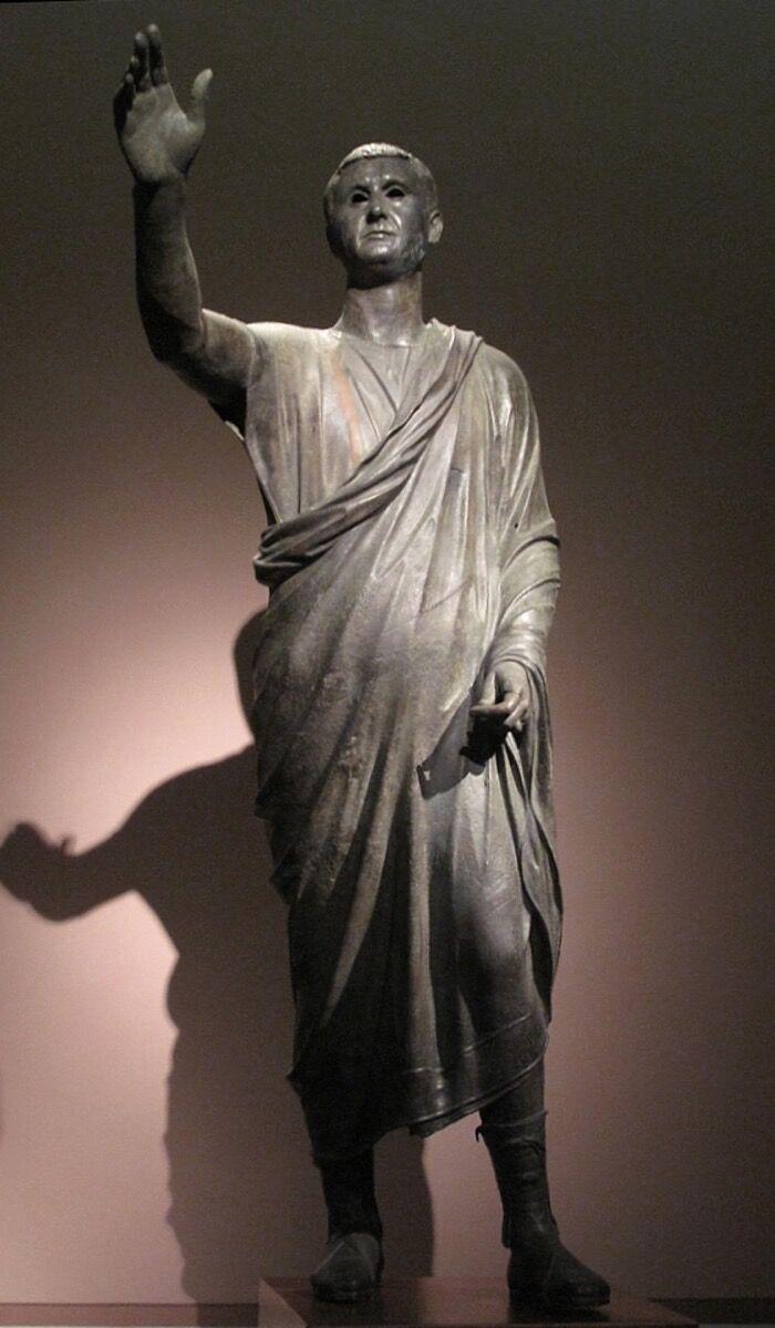 """El orador (""""L & # x27; Arringatore""""), imagen del siglo I a. C. a través de Wikimedia Commons."""