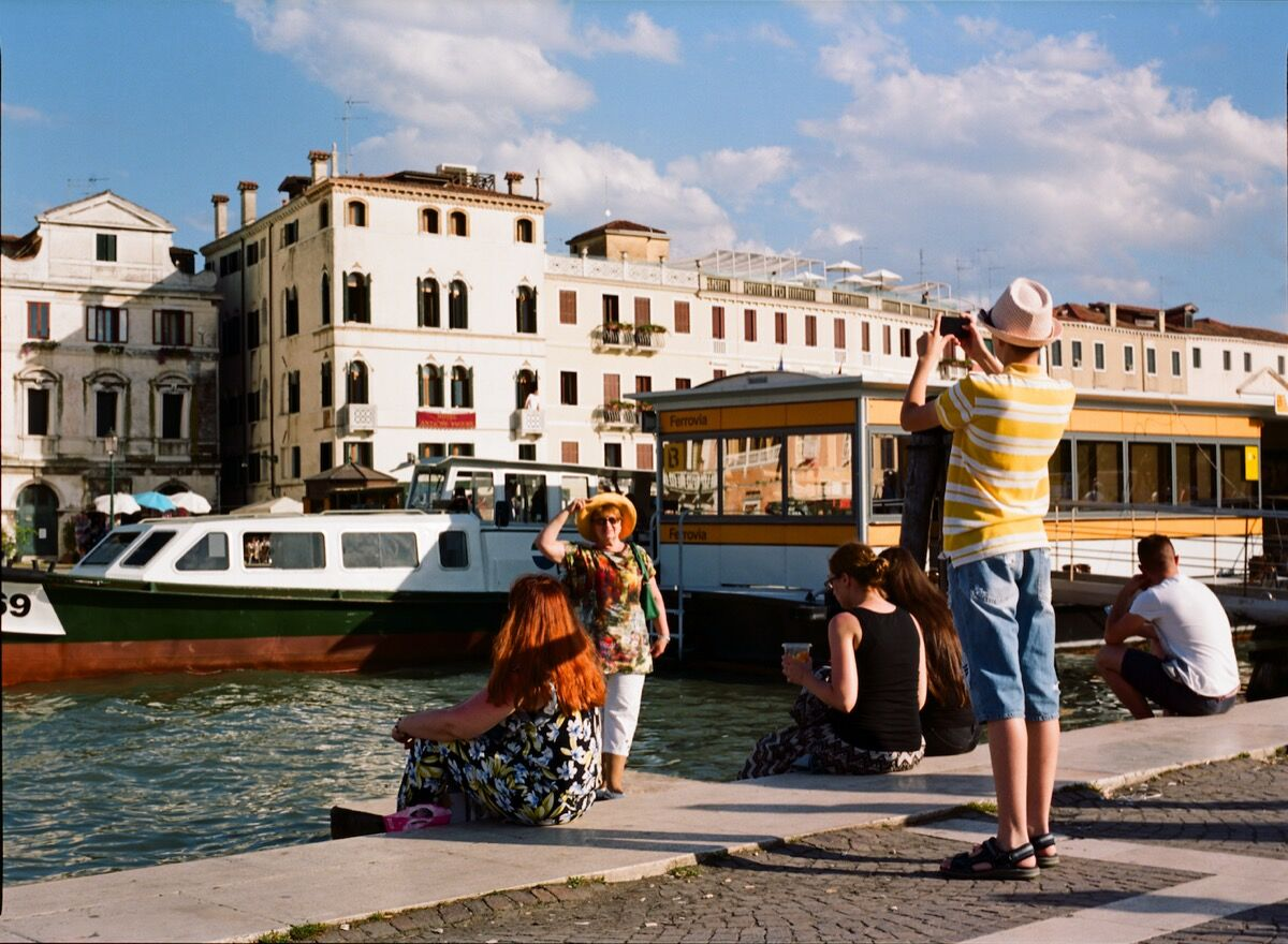 Ambre Kelly and Andrew Gori, Mother Son—Grand Canal, Venice, 2016. Image courtesy of the artists.