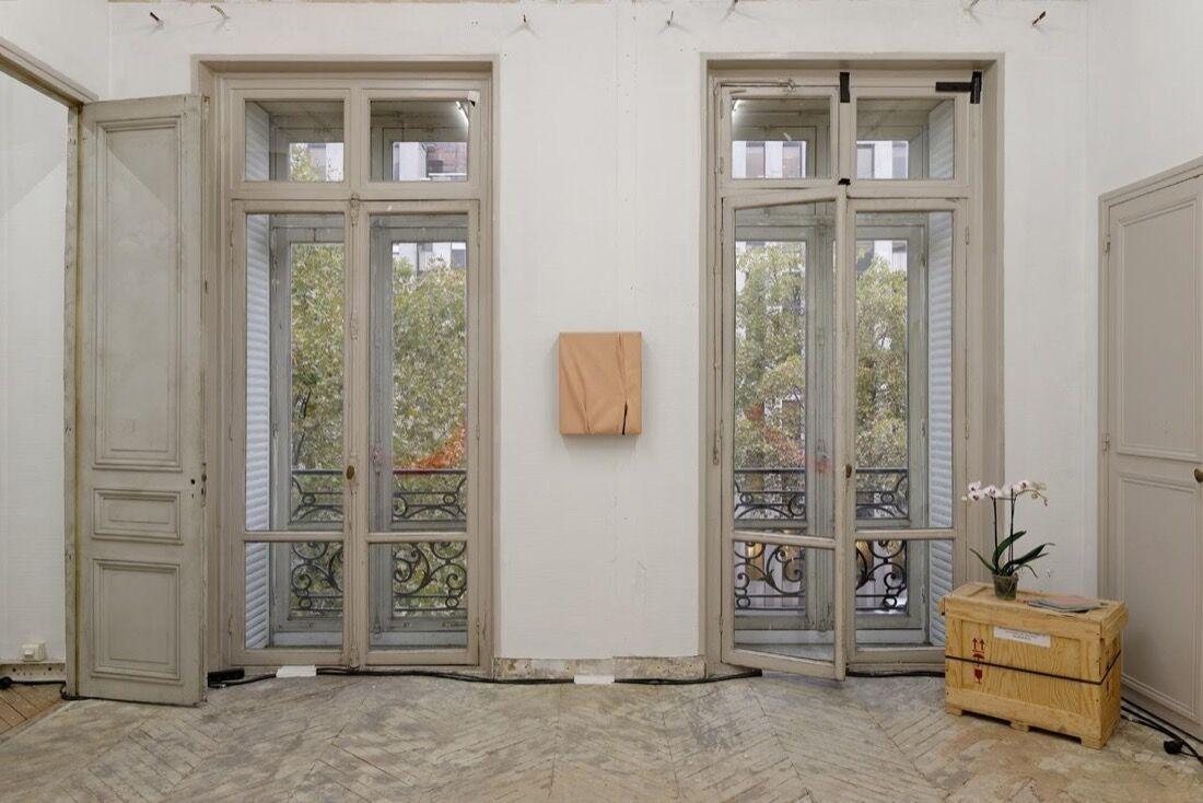 Installation view ofProjectos Monclova at Paris Internationale, 2015. Photo byAurélien Mole,courtesy ofParis Internationale.