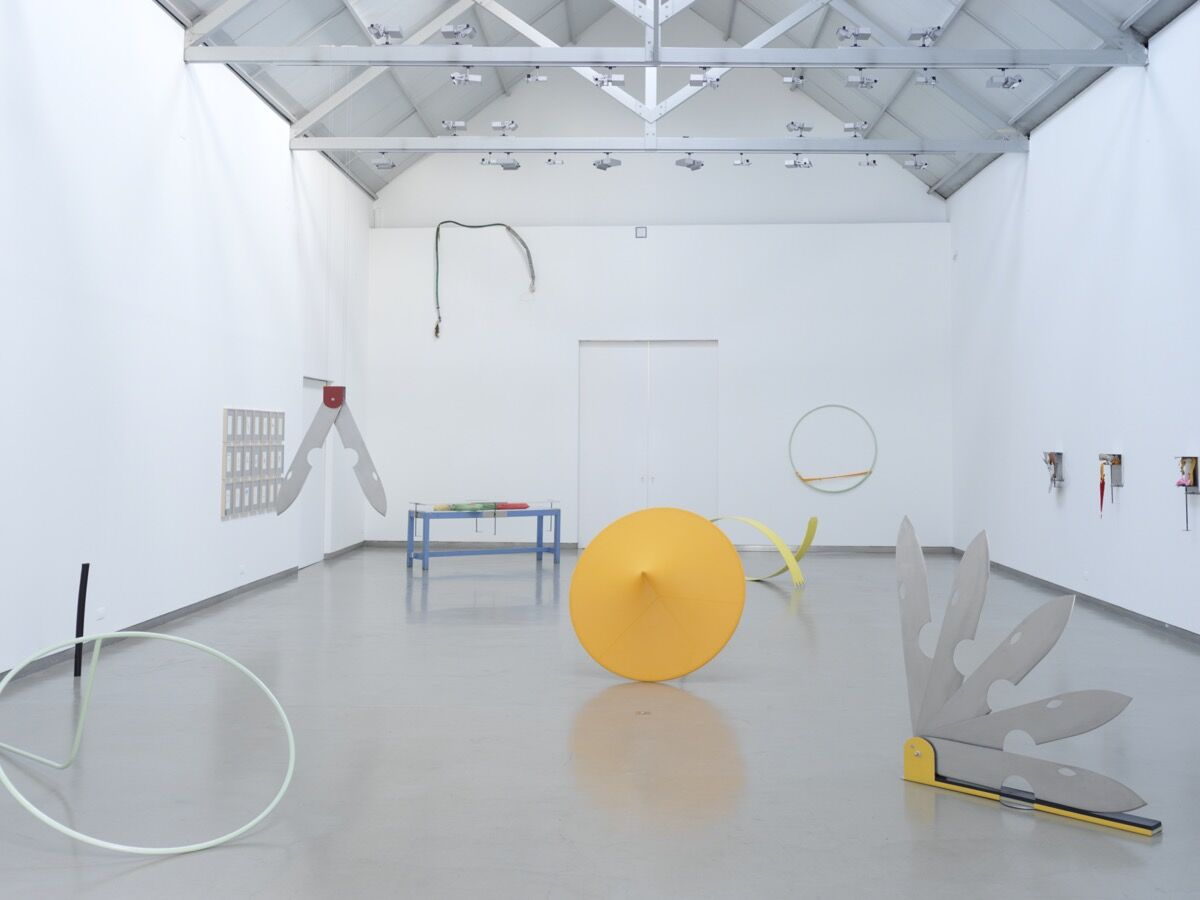"""Sara Bichão, installation view of """"Qual é a Coisa, Qual é Ela (What is the Thing, What is It)"""" at Galerie Filomena Soares, 2020. Photo by Pedro Guimarães. Courtesy of Galerie Filomena Soares, Lisbon."""