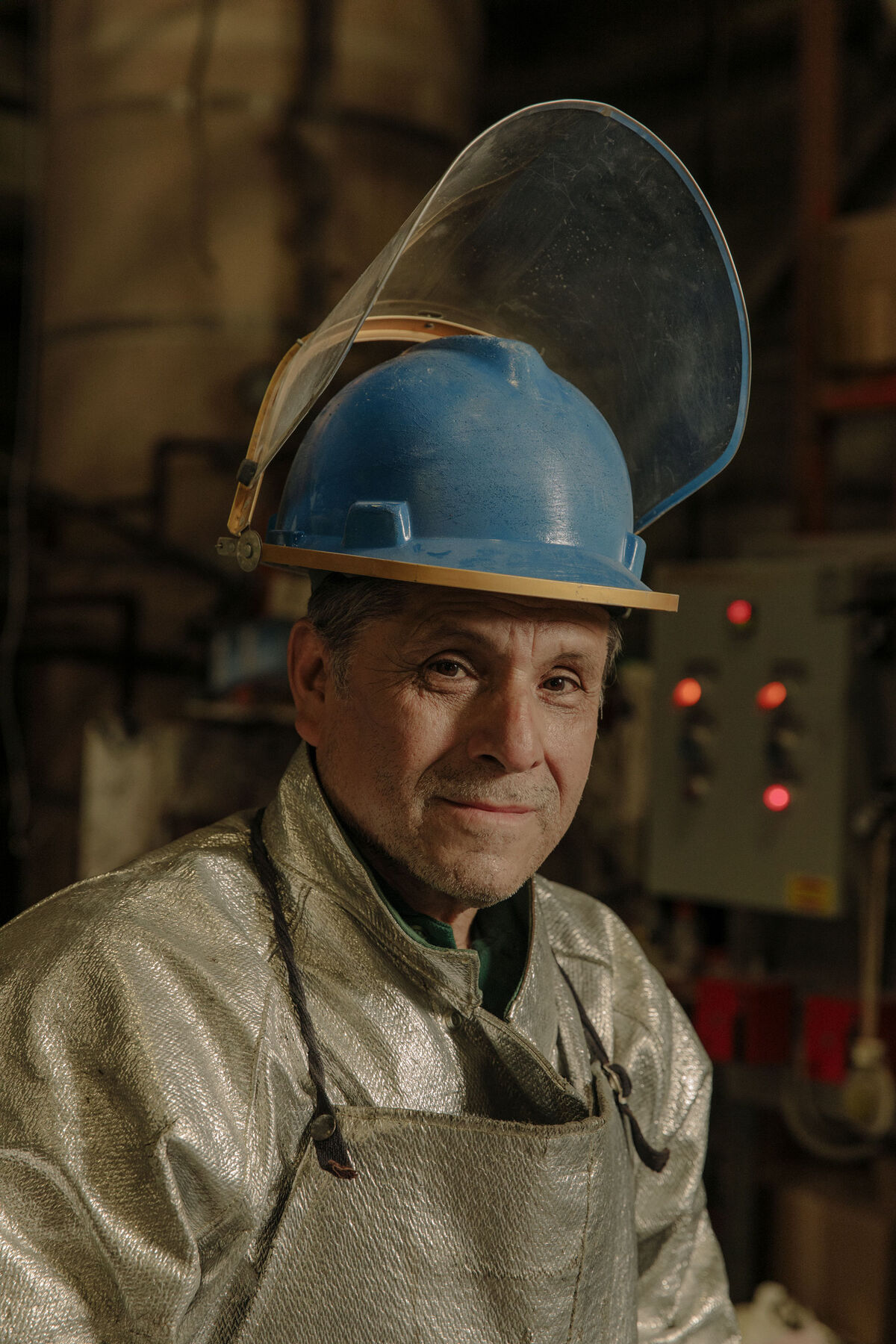 Portrait of Vicente Cardoso, PTX Craftsman. Photo by Ricky Rhodes for Artsy.