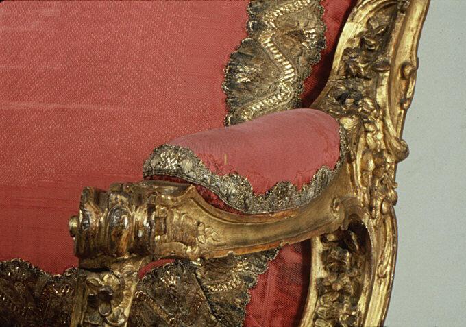 Armchair (Fauteuil à la reine) for Louise-Élisabeth of Parma, ca. 1749. Courtesy of the Metropolitan Museum of Art.