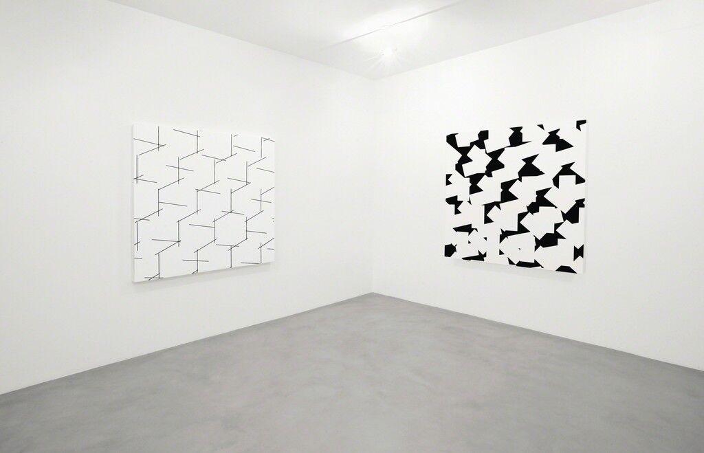 (from left to right) 3D concertant n°3 - 10° 90° 27°, 2014;3D bandes décimées n°3, 2014. Photo:Bruno Bani, Milan;Courtesy A arte Invernizzi, Milan.