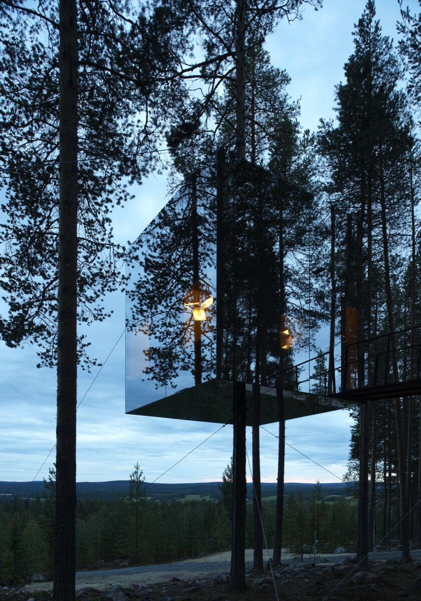 Tham & Videgård Arkitekter, Mirrorcube Treehotel, 2010. Photo by Åke Elson Lindman. Courtesy of Tham & Videgård Arkitekter.