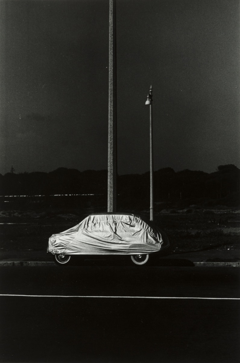 Elliott Erwitt, Rome 1965, 1965. Collection of the Akron ArtMuseum. Gift of Dr. Barry Leon.
