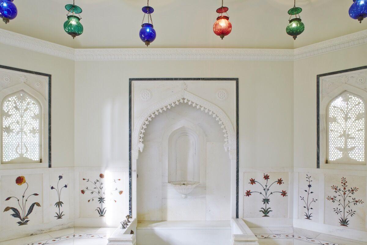 Mughal Suite bathroom. © 2014 Linny Morris. Courtesy of the Doris Duke Foundation for Islamic Art.