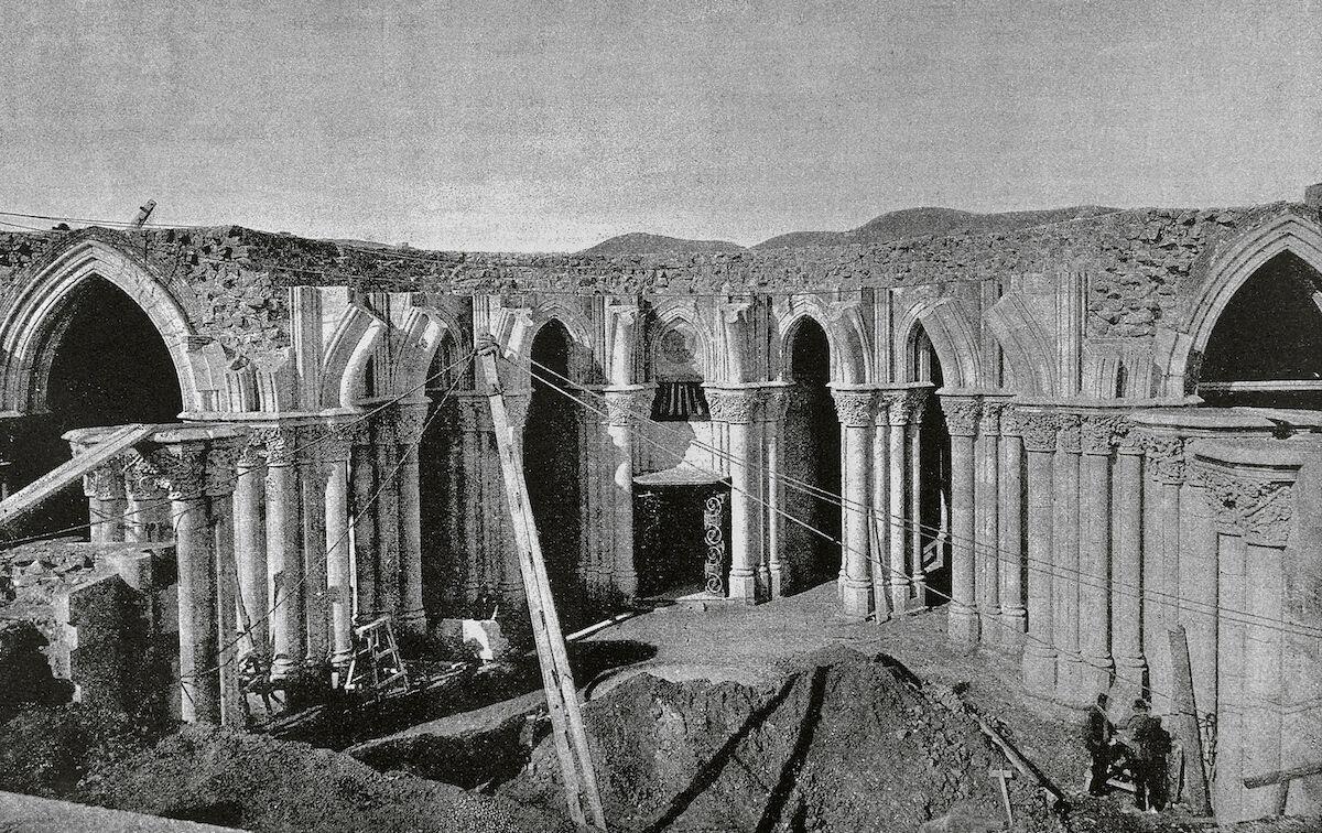 La Sagrada Familia under construction, 1887. Photo by PHAS/UIG via Getty Images.