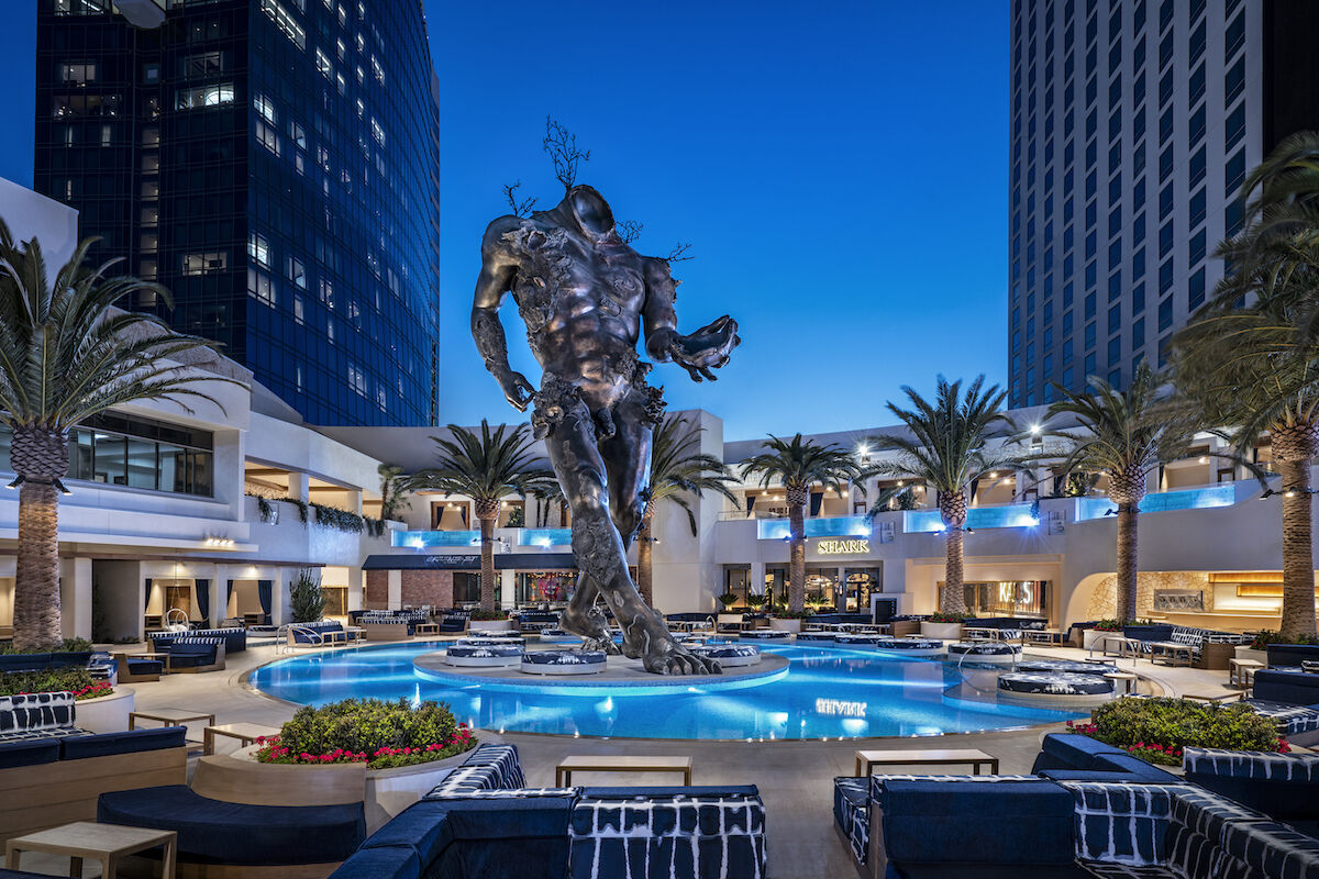 Damien Hirst, Demon with Bowl (2014), at the KAOS dayclub. Photo courtesy the Palms Casino Resort.