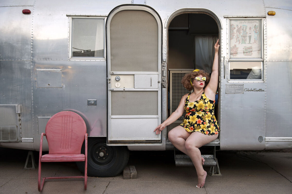 Genevieve Gaignard, Globetrotter, 2017. Copyright Genevieve Gaignard and courtesy of Shulamit Nazarian, Los Angeles.
