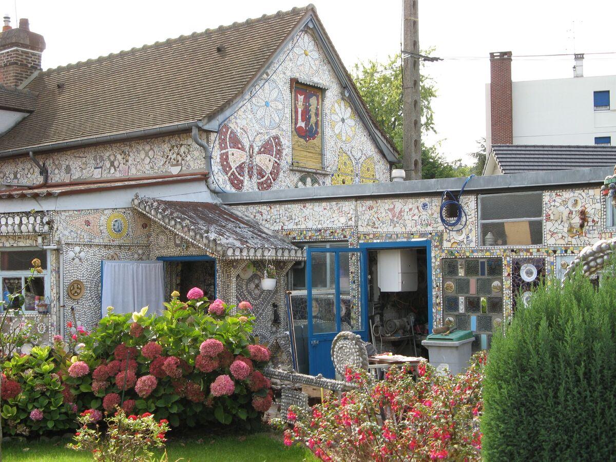 La Maison de la Vaisselle Cassée, 2007. Photo by Scott Miller.