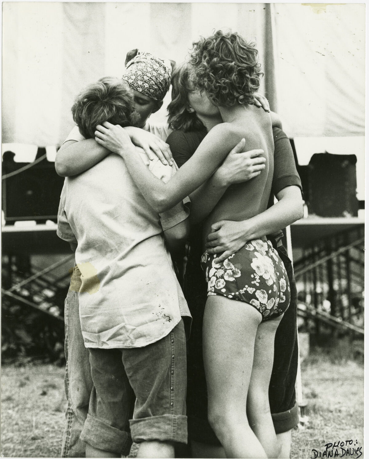 Diana Davies, Women embracing at Michigan Womyn's Music Festival, 1976. Courtesy of New York Public Library, Manuscripts and Archives Division.