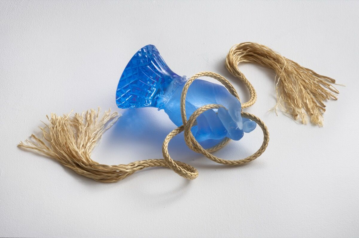 Kelly Akashi, Feel Me (Aquamarine), 2019. Photo by Robert Wedemeyer. Courtesy of the Artist, Tanya Bonakdar Gallery, New York and François Ghebaly Gallery, Los Angeles.