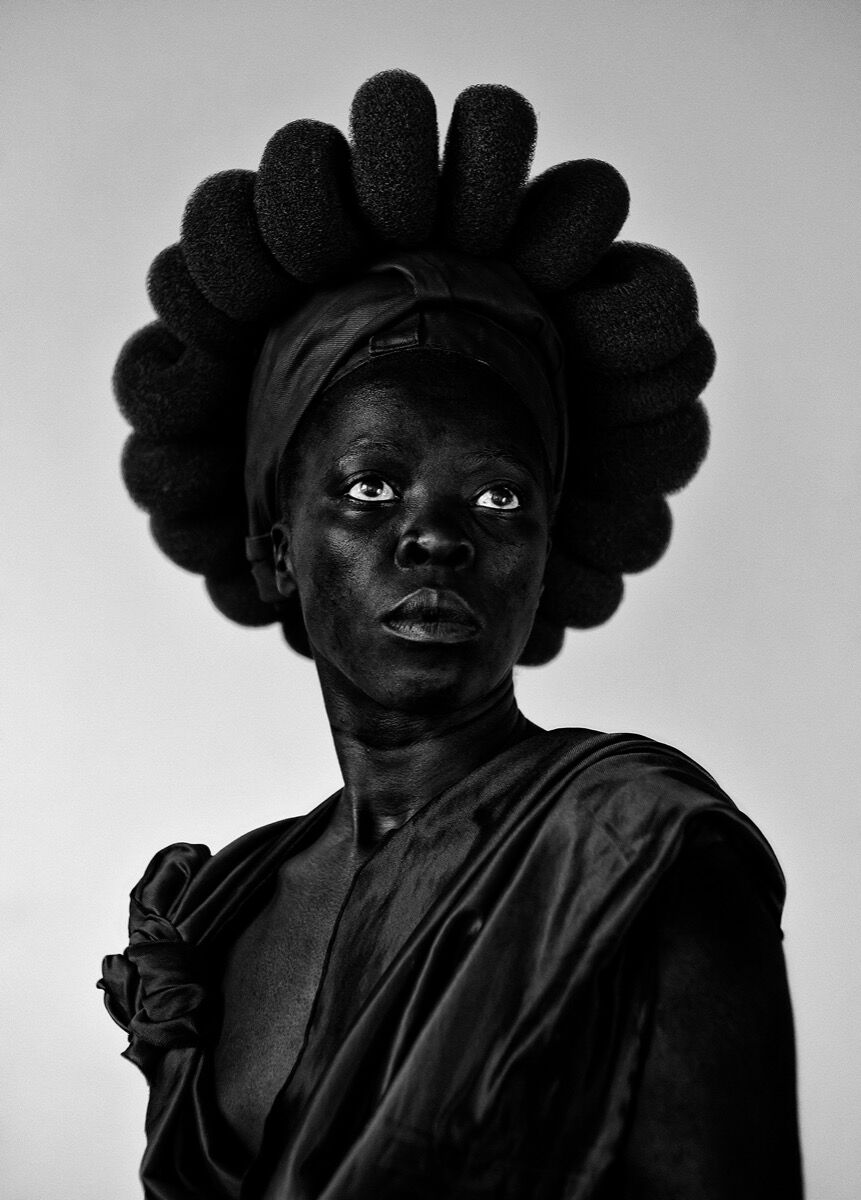Zanele Muholi, Ntozakhe II, Parktown, Johannesburg, 2016, from Zanele Muholi: Somnyama Ngonyama, Hail the Dark Lioness (Aperture, 2018). © Zanele Muholi. Courtesy of Stevenson Gallery, Cape Town/Johannesburg, and Yancey Richardson Gallery, New York.