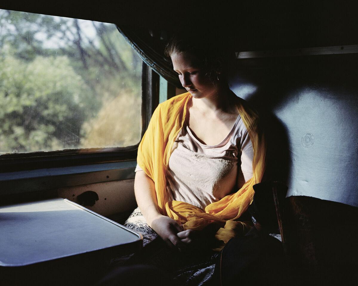 Siân Davey, Afternoon Train to Mumbai. Copyright Siân Davey, courtesy of The Michael Hoppen Gallery, London.
