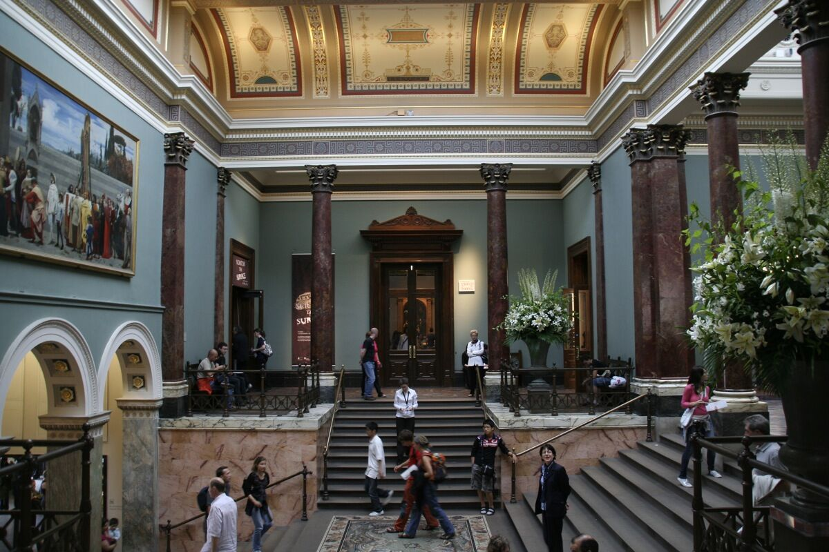 The Staircase Hall of the National Gallery in London. Photo by Rudolf Schuba, via Wikimedia Commons.