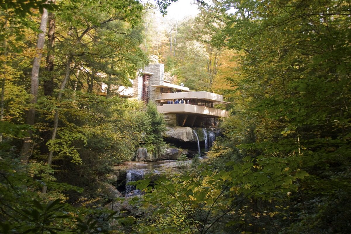 Frank Lloyd Wright, Fallingwater, 1935. Image via Wikimedia Commons.