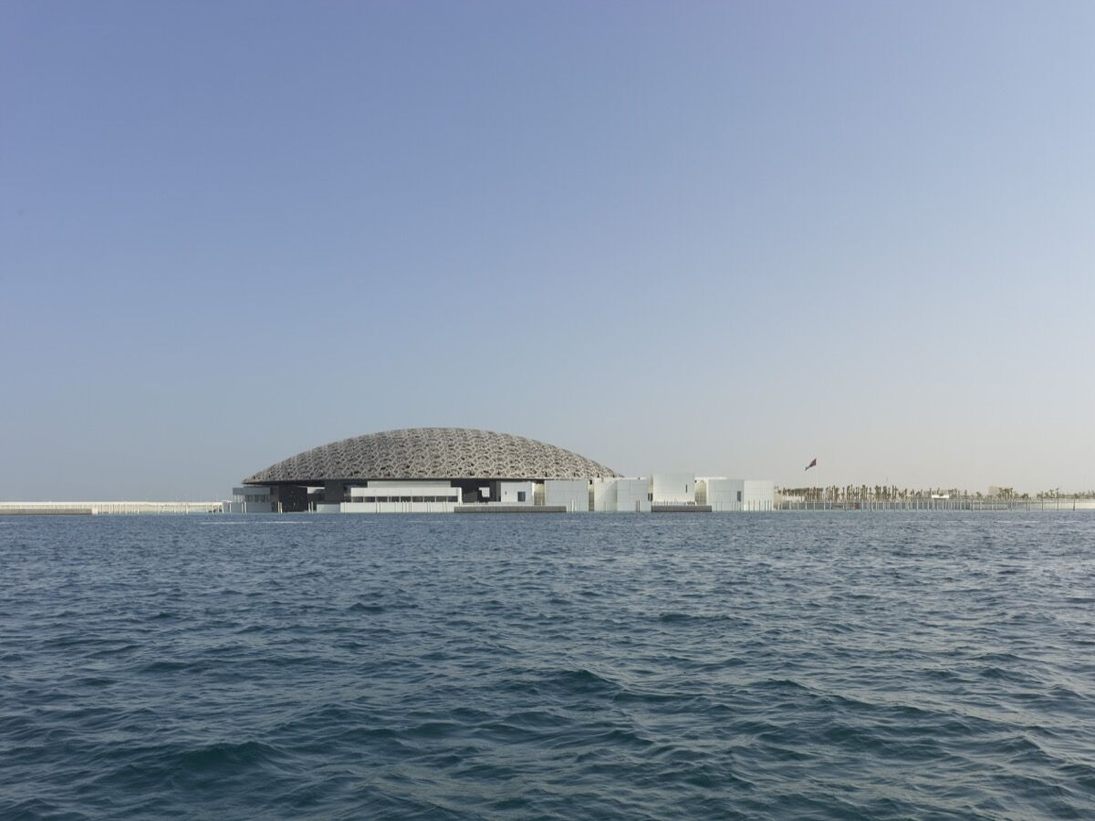 Louvre Abu Dhabi. Photo by Roland Halbe. © Louvre Abu Dhabi. Courtesy of Louvre Abu Dhabi.