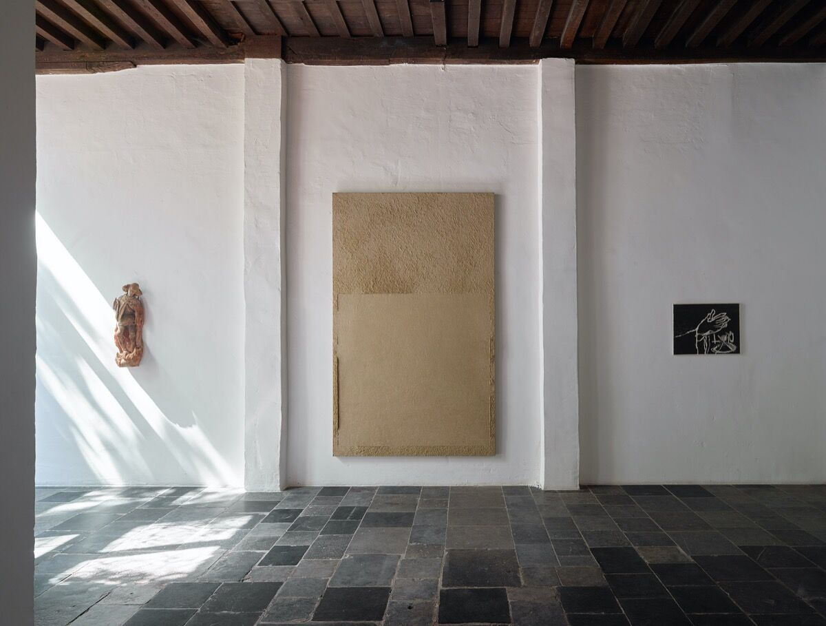 """Chung Chang-Sup, installation view of """"A Return to Home"""" at Axel Vervoordt Gallery. © Axel Vervoordt Gallery. Photo by Jan Liégeois. Courtesy of Axel Vervoordt Gallery."""