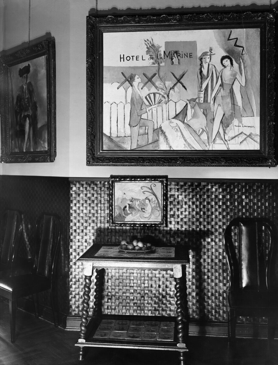 Interior view of Alfred Flechtheim's home with Hotel de la Marine by Marie Laurencin, 1929. Photo by Zander & Labisch. Image via Getty Images.