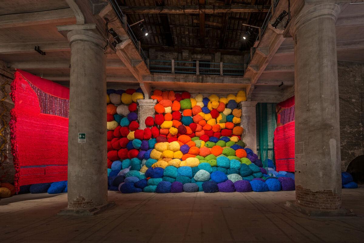 Installation view of Sheila Hicks, Escalade Beyond Chromatic Lands,  2016–17, at Biennale di Venezia, Venice, Italy, 2017. Photo by Andrea Avezzù. Courtesy of La Biennale di Venezia.