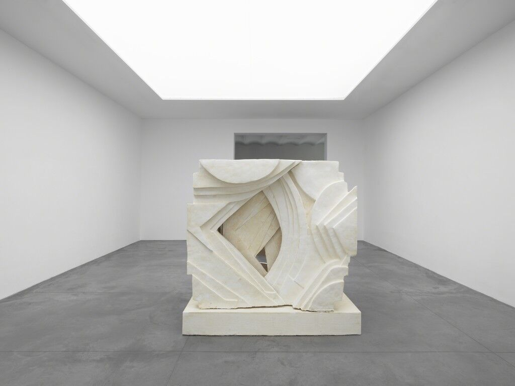 """Installation view,""""Thomas Houseago: Before the Room,"""" at Xavier Hufkens, Brussels. Photo by Allard Bovenberg, Amsterdam. Courtesy of the artist and Xavier Hufkens, Brussels."""
